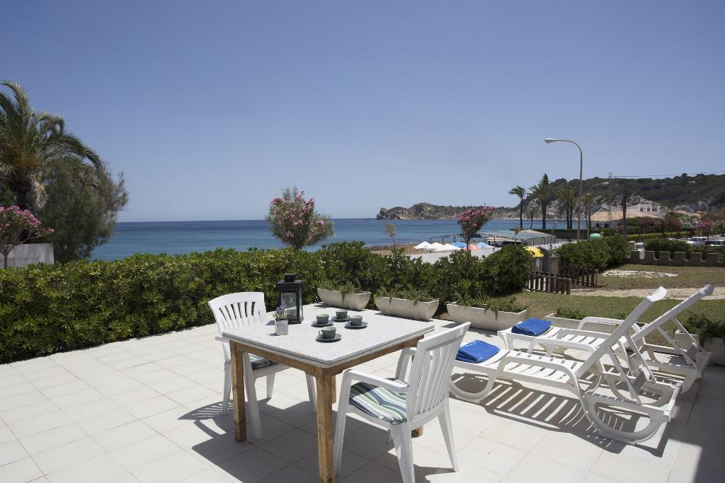 La Cala, Beautiful and cheerful apartment  with communal pool in Javea, on the Costa Blanca, Spain for 5 persons...