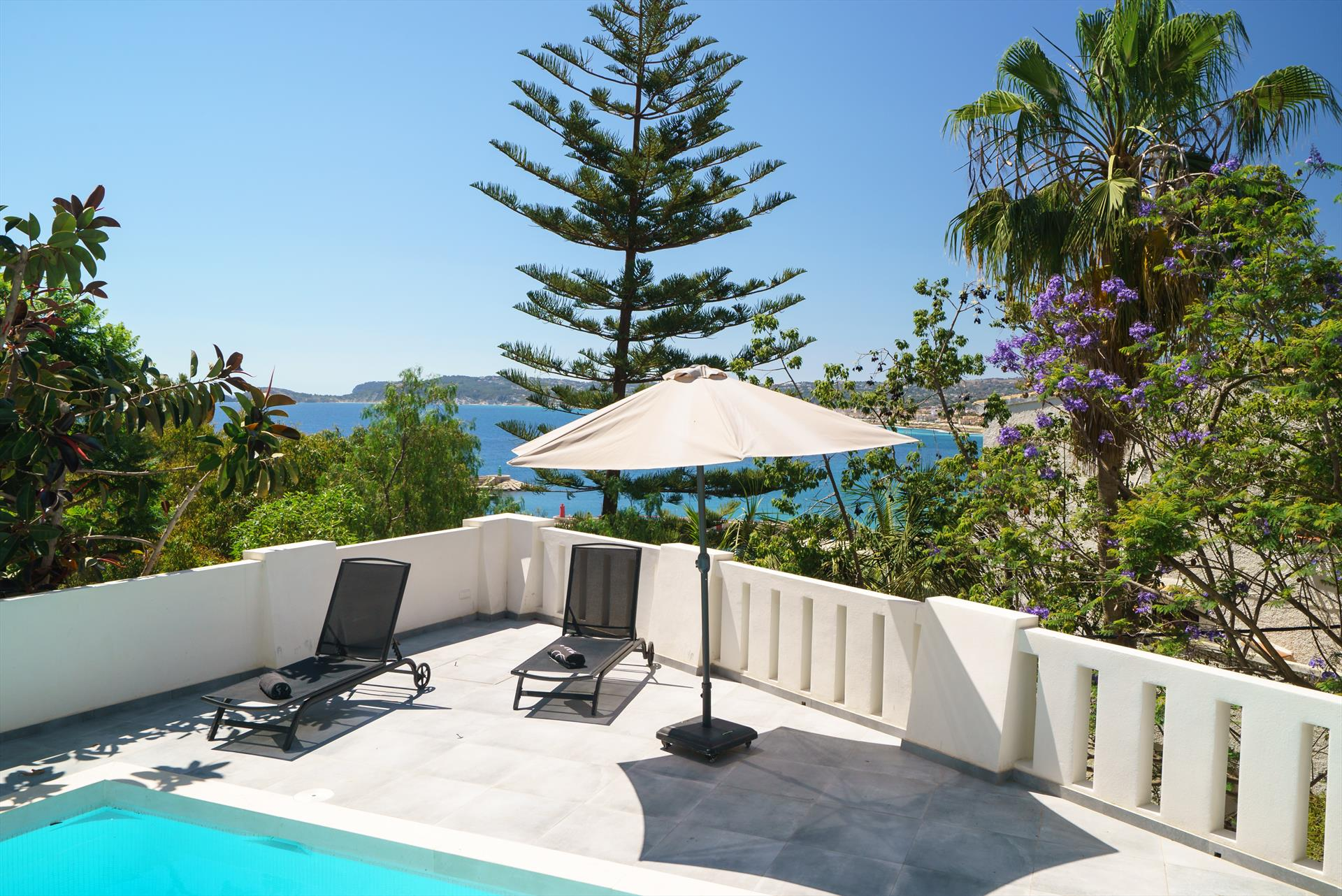 El Escondite 6 pax, Wonderful and cheerful villa  with private pool in Javea, on the Costa Blanca, Spain for 6 persons.....