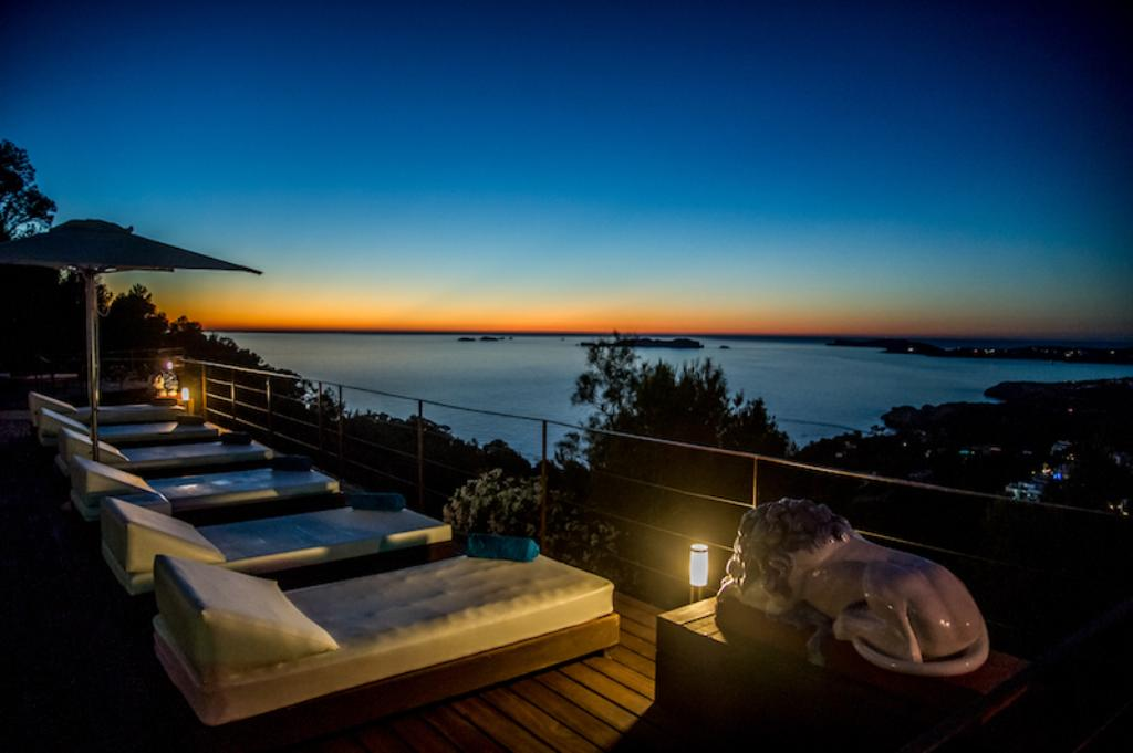 871, Beautiful and luxury villa  with private pool in Cala Carbo, Ibiza, Spain for 12 persons...