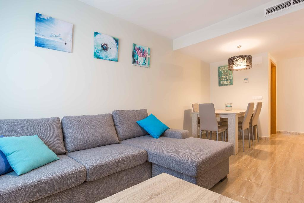 Atico Milan LT, Lovely apartment decorated with style for 4 persons in Javea only 600m from the beach. This duplex apartment in Javea is.....