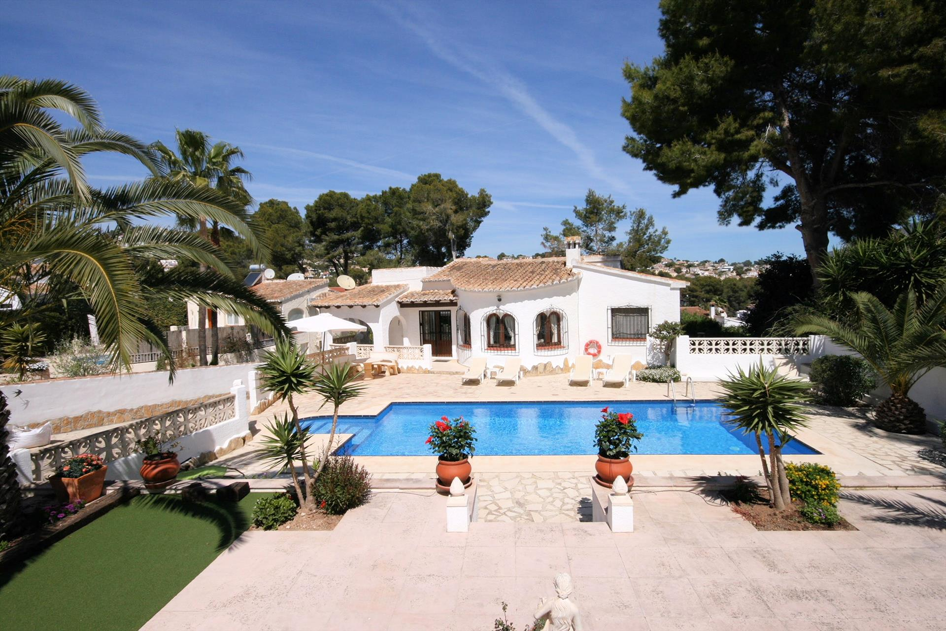 La Cometa 17, Large and comfortable villa in Moraira, on the Costa Blanca, Spain  with private pool for 8 persons.....