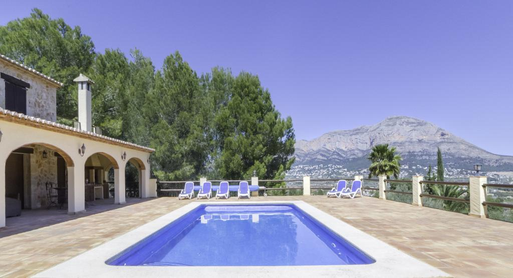 Pura Vida, Beautiful and classic country house  with private pool in Javea, on the Costa Blanca, Spain for 8 persons.....