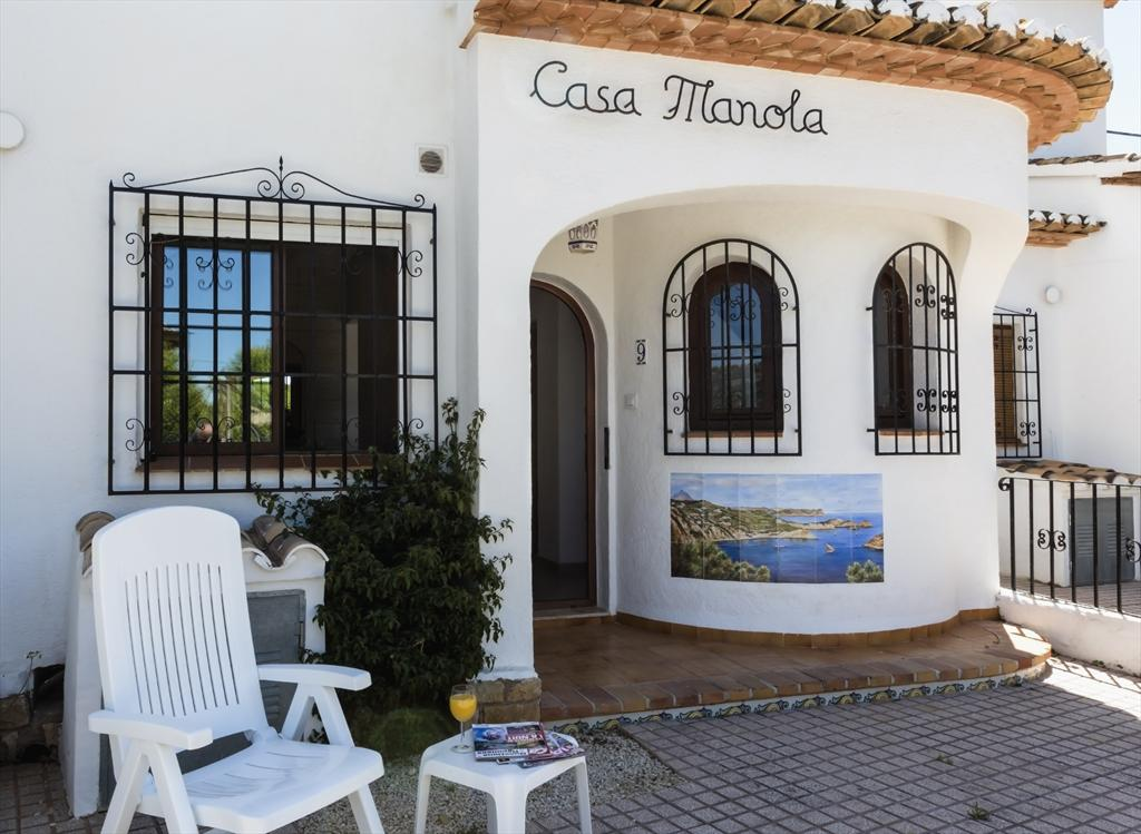 Casa Manola, Beautiful and cheerful apartment in Javea, on the Costa Blanca, Spain  with communal pool for 6 persons.....