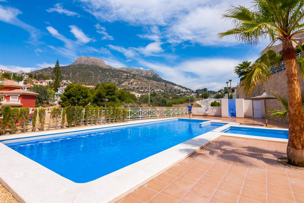 Grinev 6, Beautiful and comfortable holiday home in Calpe, on the Costa Blanca, Spain  with communal pool for 6 persons.....