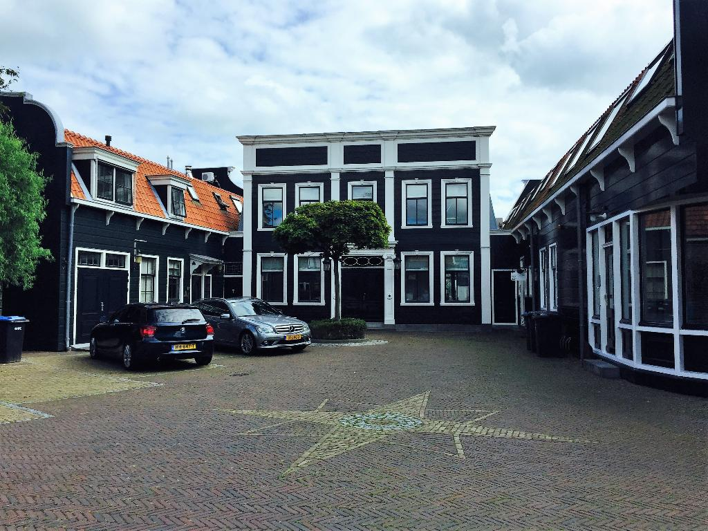 Hip, Modern and comfortable apartment in Zaandijk, Noord-Holland, Netherlands for 6 persons.....