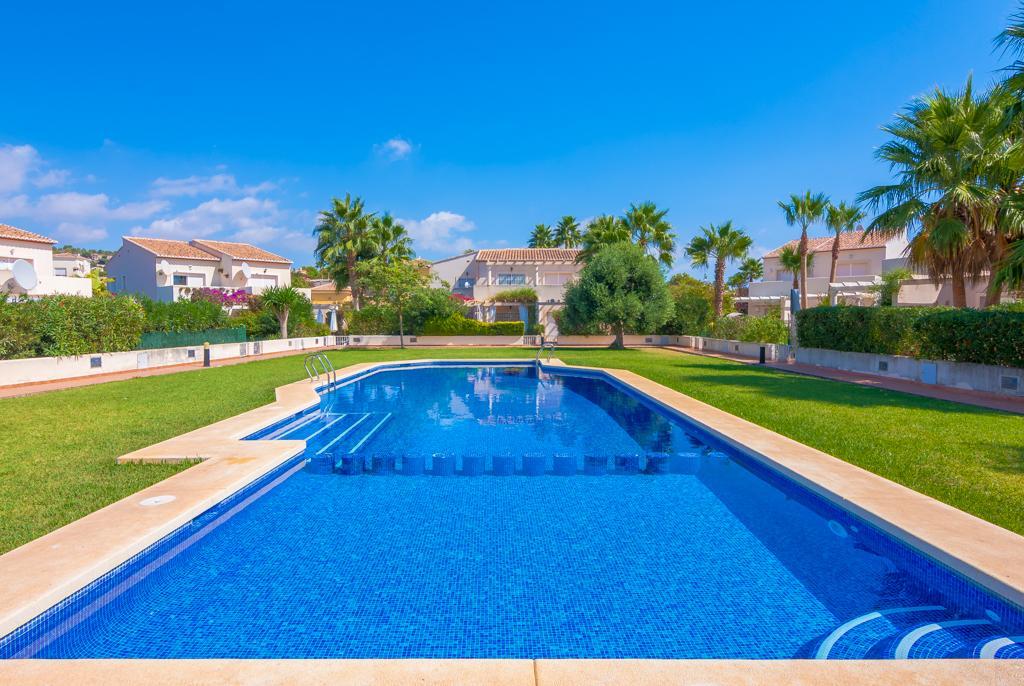 Haydock 6,Casa de vacaciones moderna y graciosa en Calpe, en la Costa Blanca, España  con piscina comunitaria para 6 personas.....