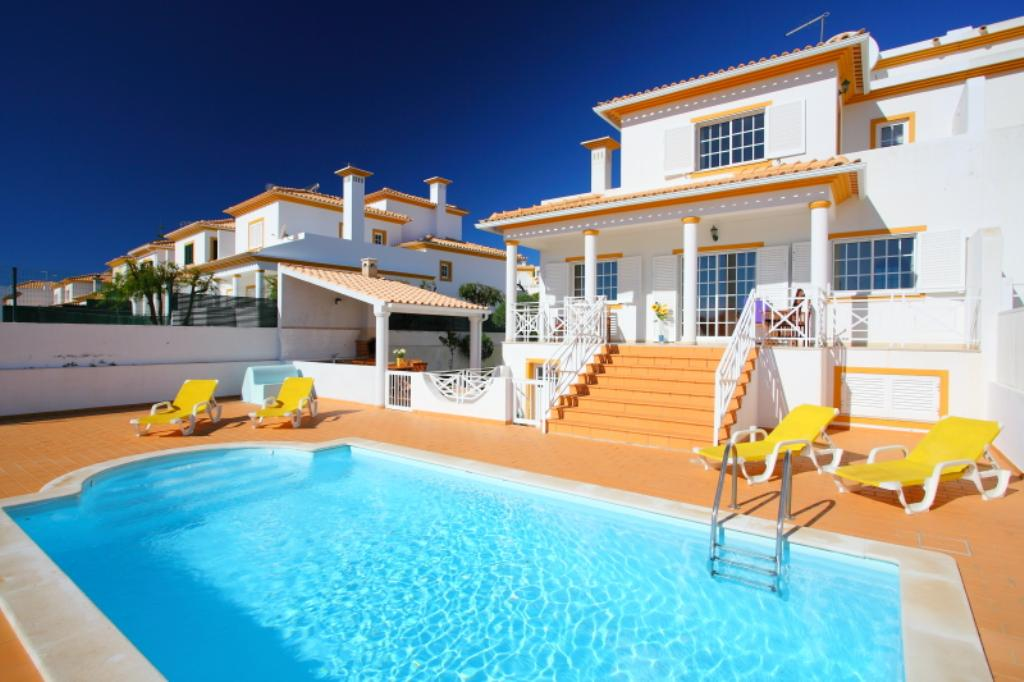Villa Albufeira LS101, Lovely and comfortable villa  with private pool in Albufeira, on the Algarve, Portugal for 6 persons...