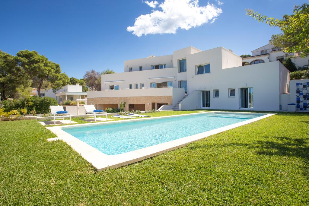 La Higuera, Modern and comfortable villa in Javea, on the Costa Blanca, Spain  with private pool for 8 persons.....