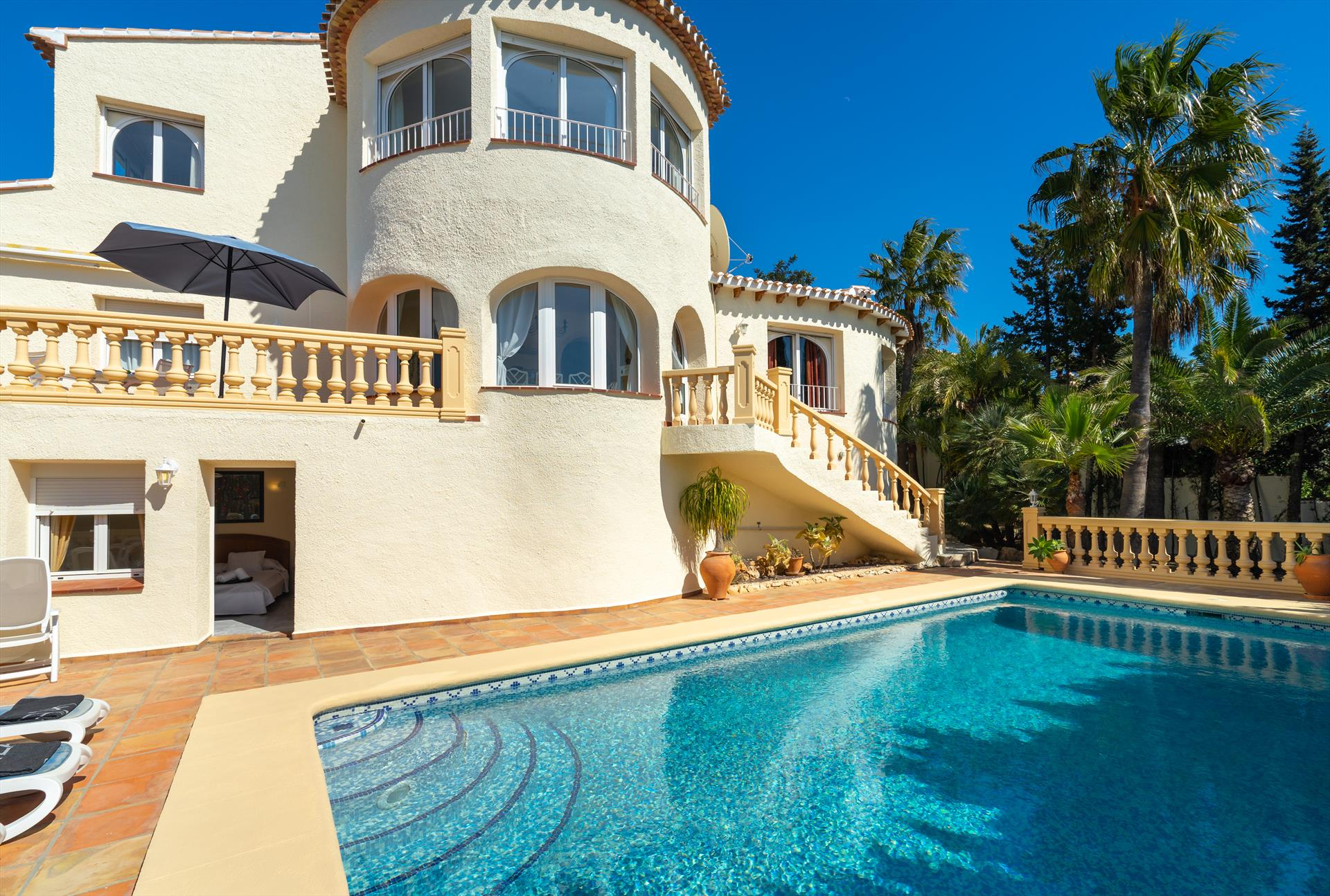Villa Hermosa 8 pax, Classic and comfortable villa  with private pool in Javea, on the Costa Blanca, Spain for 8 persons...
