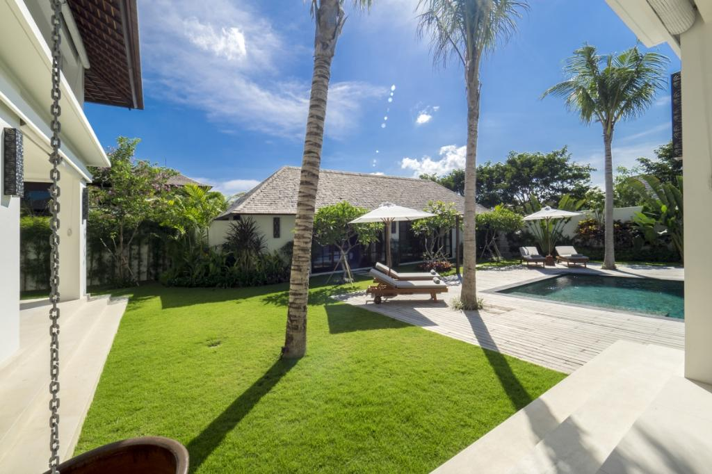 Tjitrap 3br, Beautiful and luxury villa in Seminyak, Bali, Indonesia  with private pool for 6 persons...