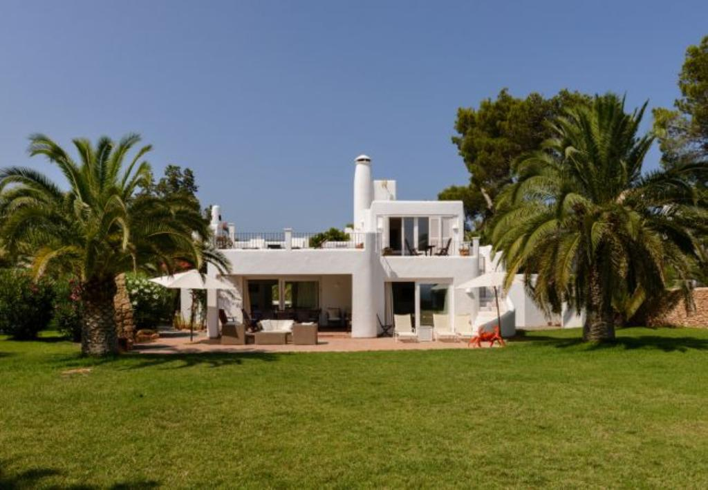 Lacigala 10, Large and classic villa in Santa Eulalia, Ibiza, Spain  with private pool for 10 persons...
