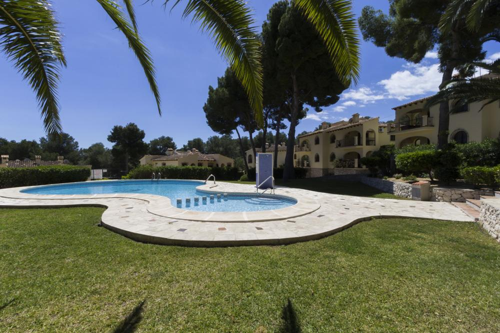 Apartamento Olivia, Lovely and cheerful apartment  with communal pool in Moraira, on the Costa Blanca, Spain for 4 persons...