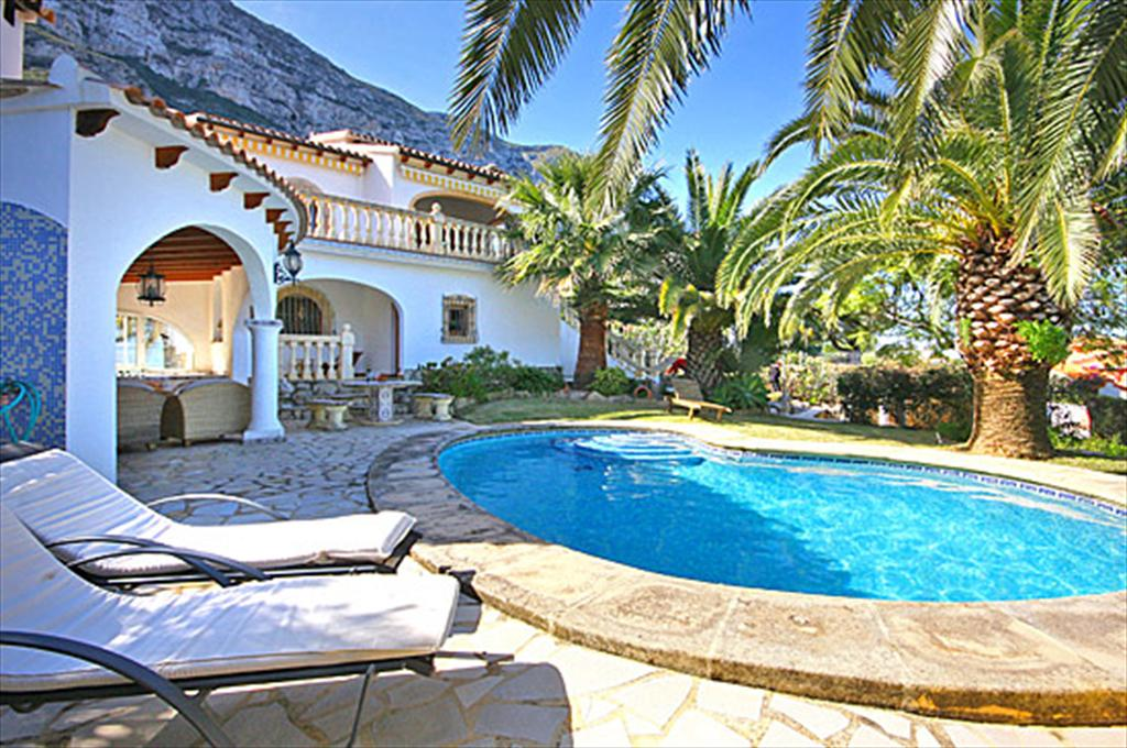 Villa Lau 6 pax, Wonderful and comfortable villa in Denia, on the Costa Blanca, Spain  with private pool for 6 persons...