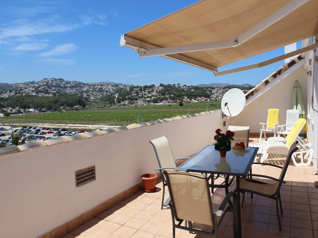 Atico la Senieta LT,Apartamento con piscina comunitaria en Moraira, en la Costa Blanca, España para 6 personas. El apartamento está.....