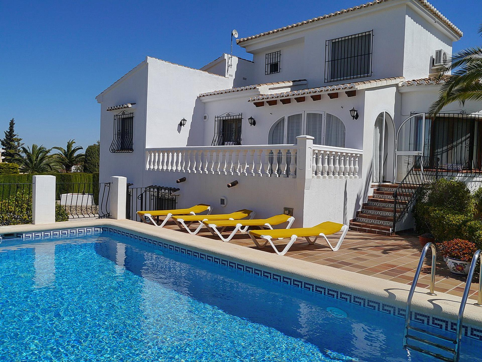 Sophie 4, Modern and cheerful villa in Benitachell, on the Costa Blanca, Spain  with private pool for 4 persons.....