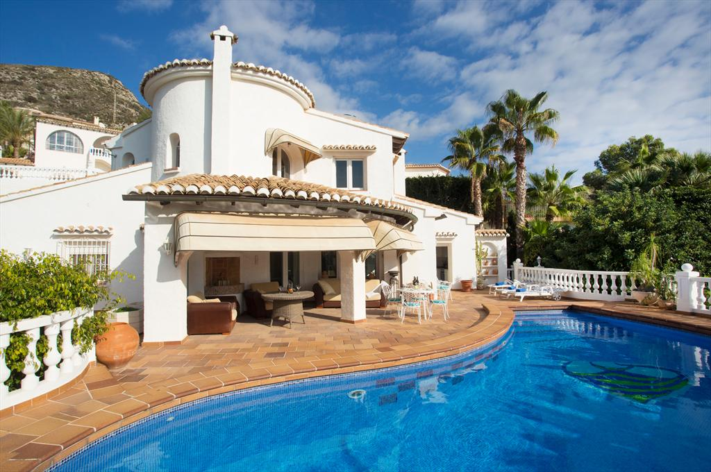 Casa Chimo, Large and comfortable villa  with private pool in Moraira, on the Costa Blanca, Spain for 8 persons.....