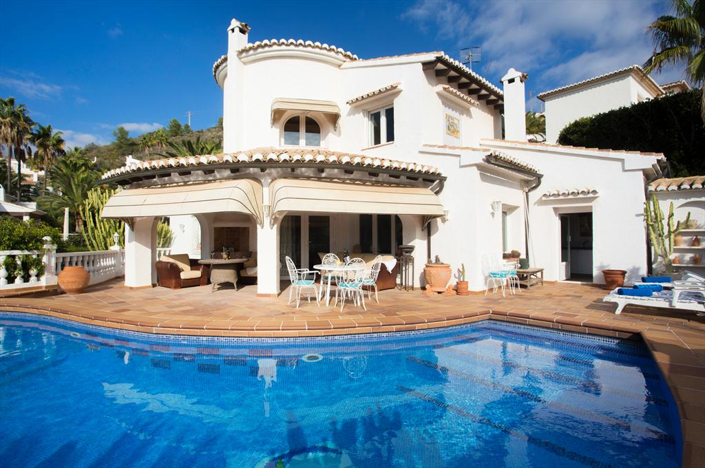 Casa Chimo 6 pax, Large and comfortable villa  with private pool in Moraira, on the Costa Blanca, Spain for 6 persons.....