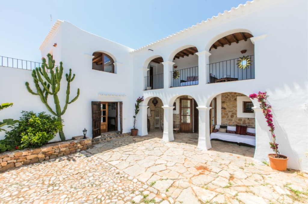 742, Beautiful villa in San Carlos, Ibiza, Spain  with private pool for 12 persons...