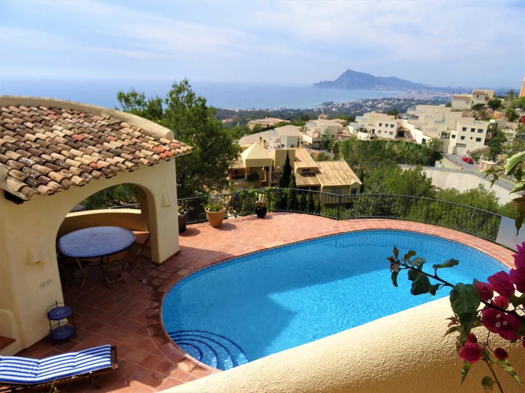 Casa Jarras, Beautiful and comfortable villa  with private pool in Altea, on the Costa Blanca, Spain for 6 persons.....