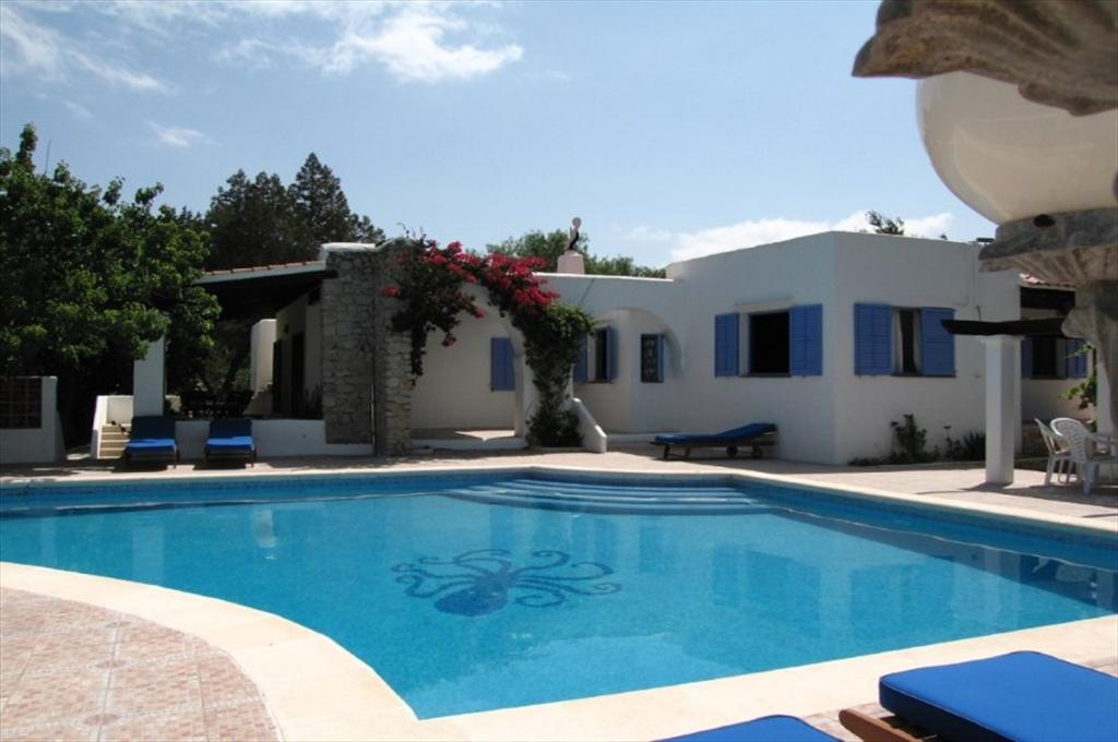 345, Beautiful and comfortable villa  with private pool in San Jose, Ibiza, Spain for 8 persons...
