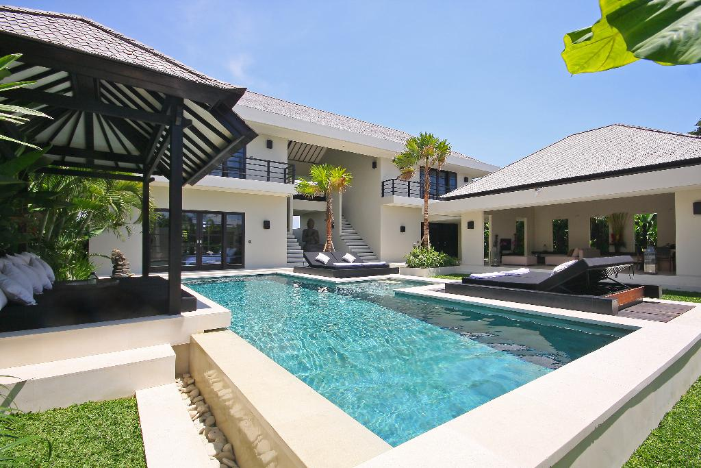 Body 6 pax, Large and luxury villa in Canggu, Bali, Indonesia  with private pool for 6 persons...