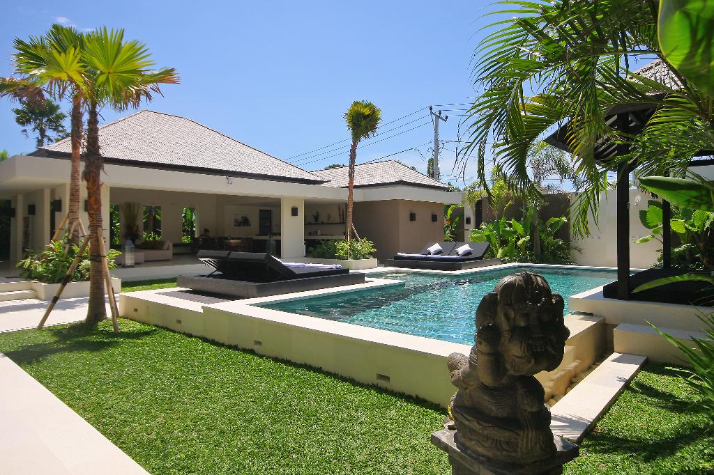 Soul 2 BR, Large and luxury villa in Canggu, Bali, Indonesia  with private pool for 4 persons...