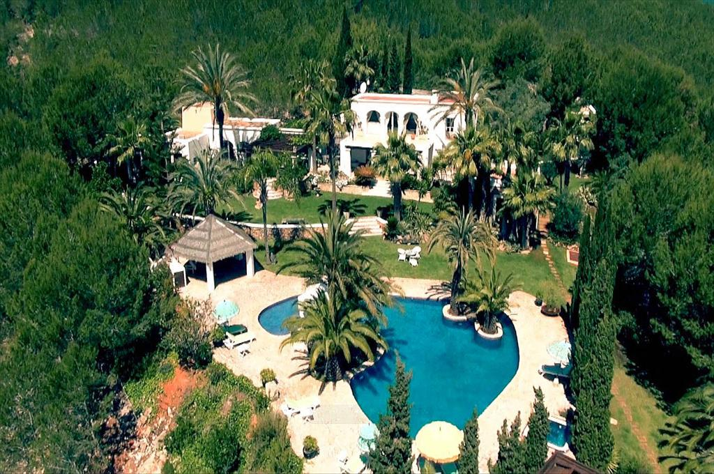 Can bambu, Large villa in Santa Eulalia, Ibiza, Spain  with private pool for 12 persons...