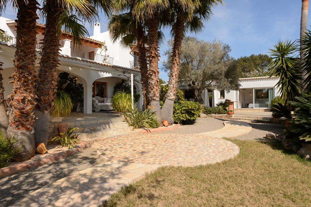 Sa Carmen 12, Large villa  with private pool in San Carlos, Ibiza, Spain for 12 persons...