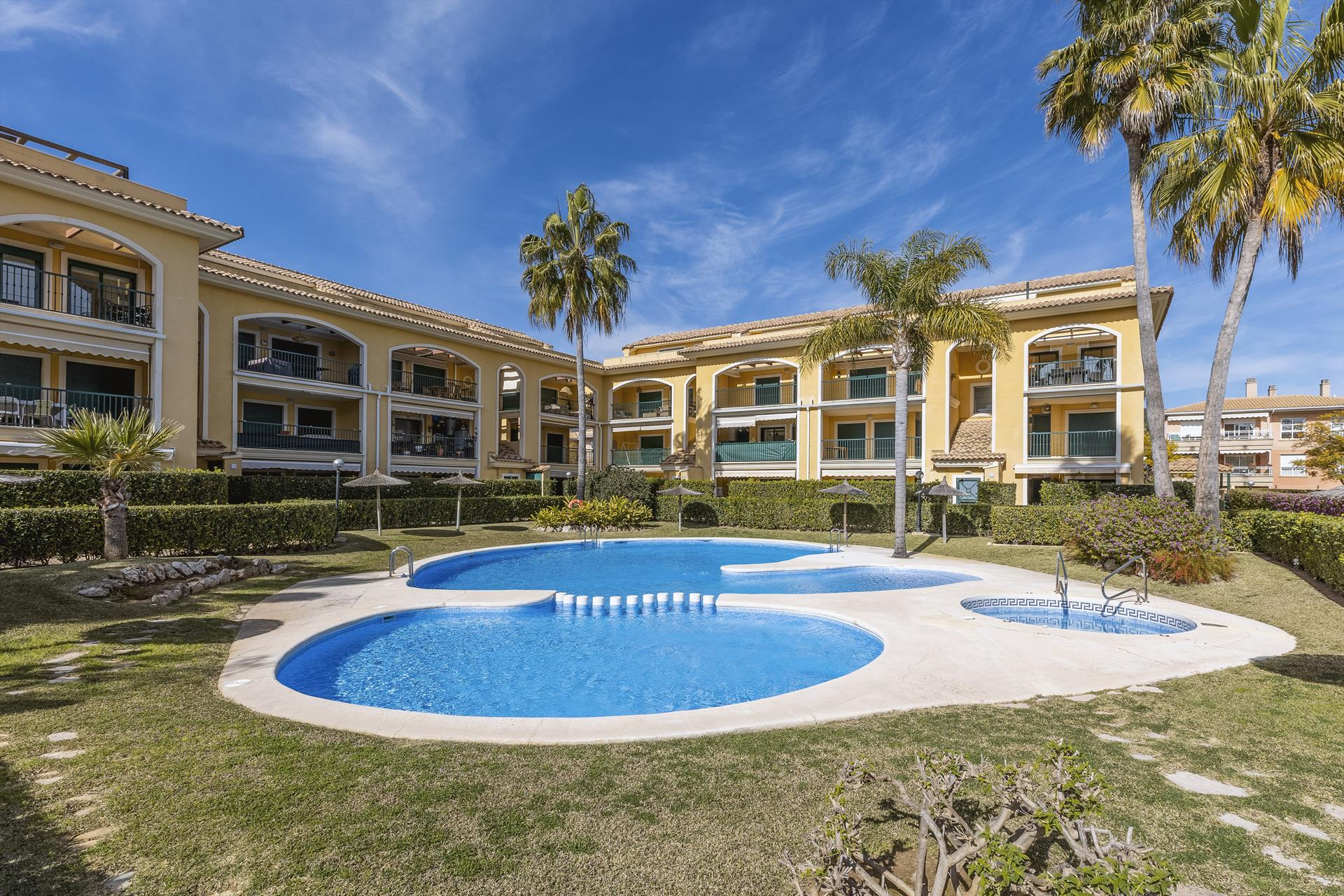 Luz de Javea 4 pax, Beautiful and comfortable apartment in Javea, on the Costa Blanca, Spain  with communal pool for 4 persons...
