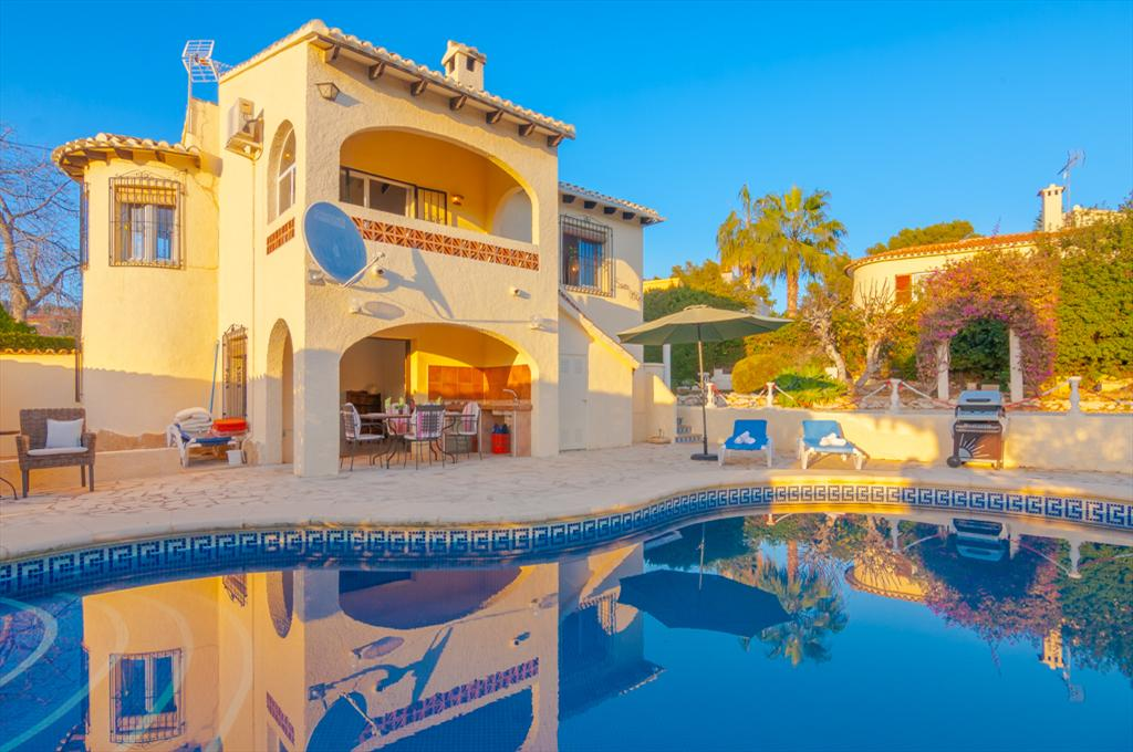 Mare Selva 6, Beautiful villa with private pool in Benissa for 6 persons, for a nice holiday in Spain with family, friends and also your.....