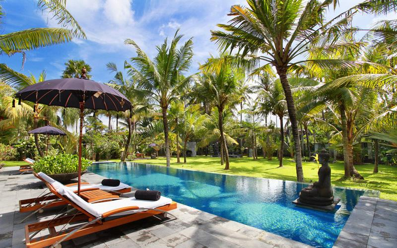 Valentine 5 bedroom, Large and romantic luxury villa  with private pool in Canggu, Bali, Indonesia for 10 persons...