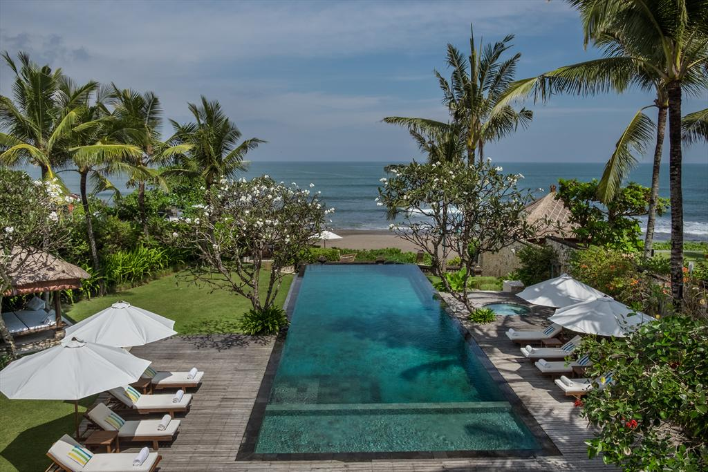 Waringin 6 bedroom, Villa Waringin is a private beachfront villa. The villa is a part of the estate called The Pantai Lima Estate, consisting.....