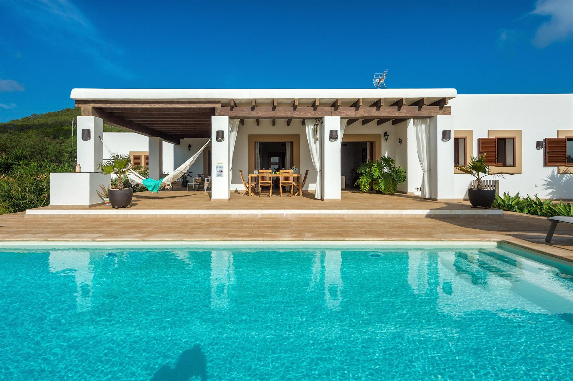 Due Isole, Large villa  with private pool in Sant Josep de sa Talaia, Ibiza, Spain for 6 persons...
